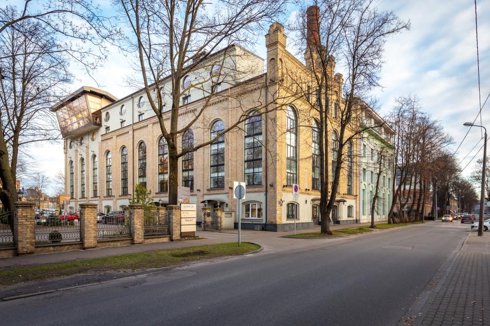 Biroju ēkas vēsturiskajā VEF teritorijā